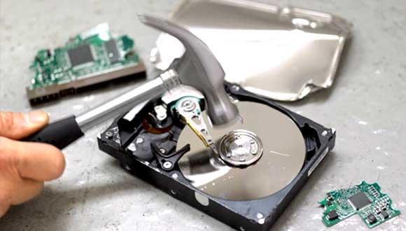 物理的にハードディスクを破壊する