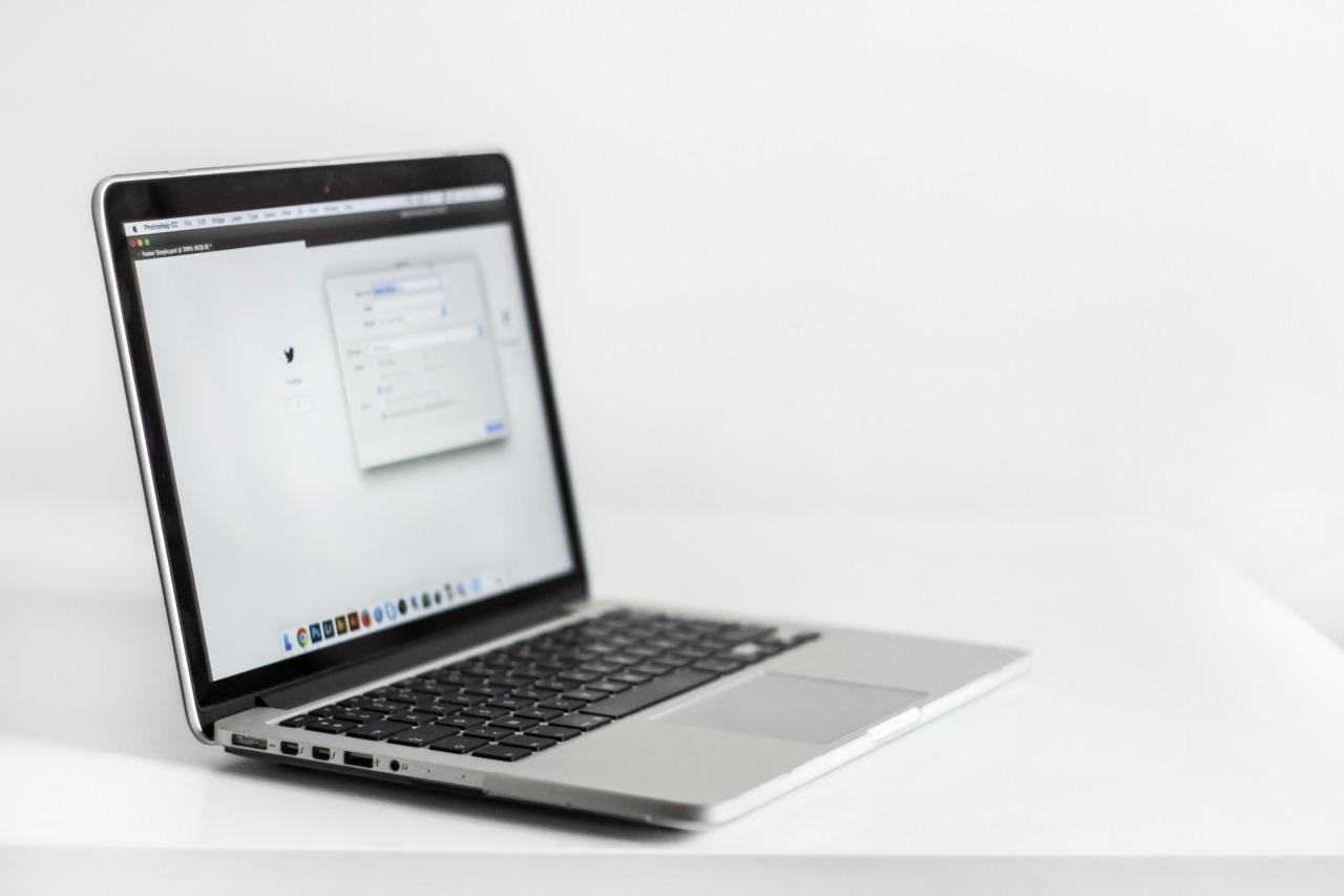 1台のパソコンでOutlookのメールアカウントごとにパスワードを設定し複数人で使う方法